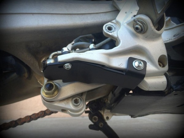 Perunmoto KTM 690 Enduro / Husqvarna 701 Rear Brake Cylinder Protection